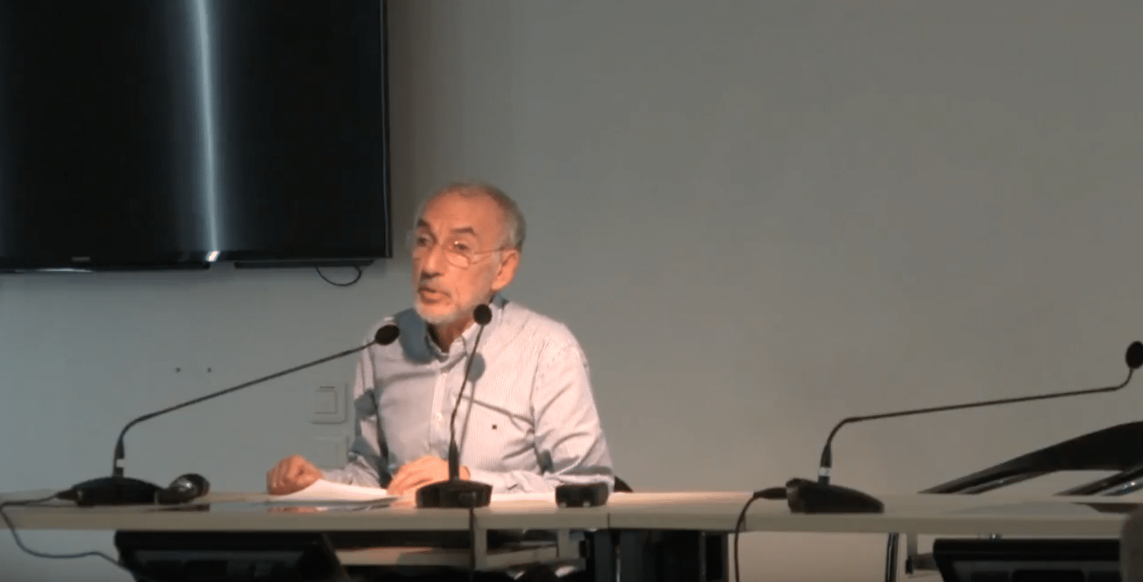 Charles Alezrah – Qu'est-ce que contenir en psychiatrie ?